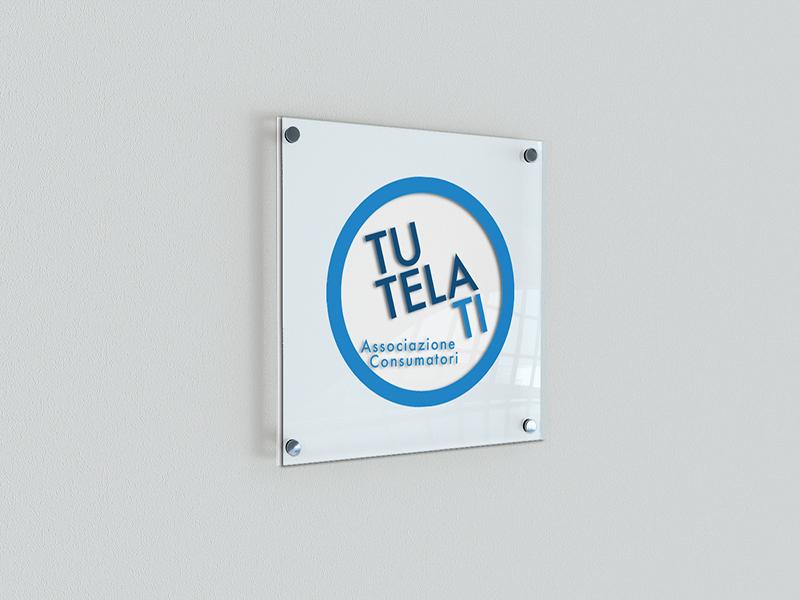 Progettazione Targa da esterno per TutelaTi Associazione Consumatori   by Studio PATh